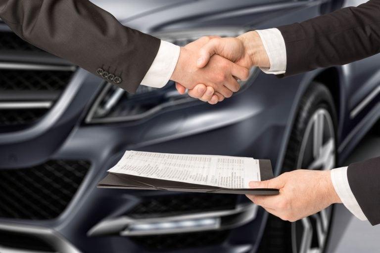 Сообщение налоговиков: оспаривание сделок по продаже должниками автомобилей стало реальностью