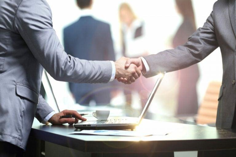 Формальный характер сделки не является ни однозначным признаком, ни твердым доказательством ее неправомерности